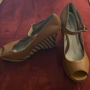 Quipid platform shoes size 8 1/2